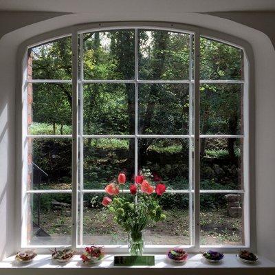 imagine-large-studio-window